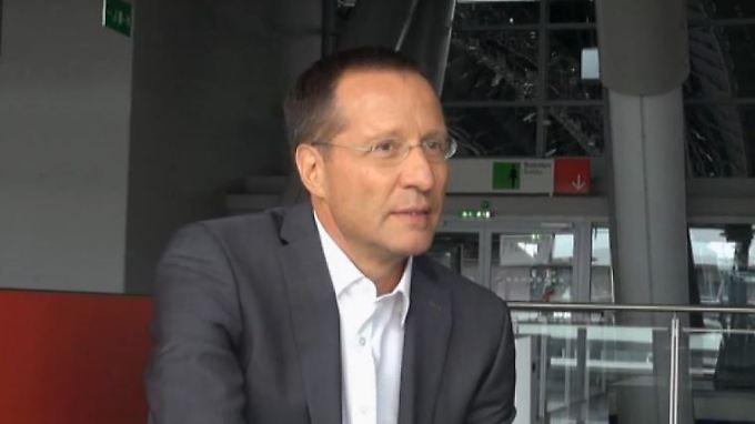 """n-tv Moderator Christoph Teuner: """"Ich bin aus Zufall Journalist geworden"""""""