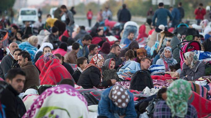Flüchtlinge nahe der türkischen Stadt Edirne.