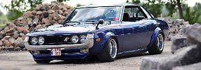 Dieser Toyota Celica TA22 GT fand 1974 den Weg auf die Straßen. Allerdings sah er damals um ein Vielfaches biederer aus.