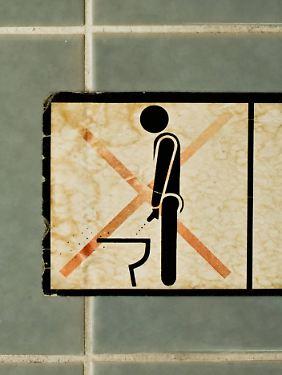 Kein Wunder, dass Frauen solche Verbotsschilder aufhängen.