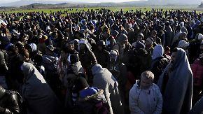 Flüchtling stirbt auf Balkanroute: Griechenland bittet EU um Hilfe