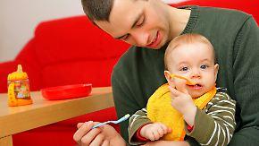 Rollenverhalten im Wandel: Elternzeit von Vätern verändert traditionelle Strukturen