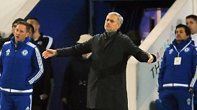 Mourinho sieht seinen Club weiter Richtung Tabellenkeller straucheln.