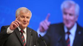 Rede auf dem CDU-Parteitag: Seehofer entschärft Unions-Streit um Flüchtlingspolitik