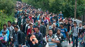Zahl für Flüchtlingsobergrenze: Politiker aus CDU und SPD sehen sich von Seehofer provoziert