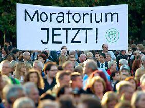 Die Gegner von Stuttgart 21 fordern einen sofortigen Baustopp, damit keine Fakten geschaffen werden können.