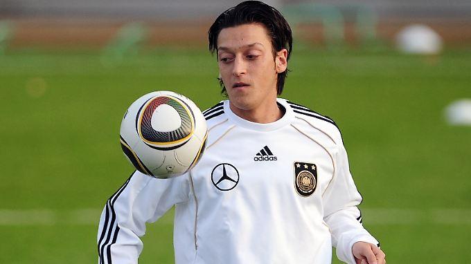 Für Deutschland am Ball: Mesut Özil.