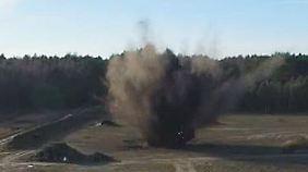 Enorme Zerstörungskraft: Finger weg von Kanonenschlag- und Kugelbomben-Böllern