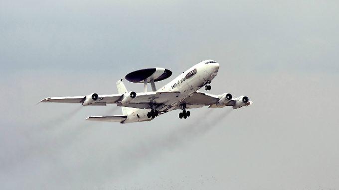 Wehrbeauftragter in Personalsorgen: Nato verlegt Awacs-Aufklärungsflugzeuge in die Türkei