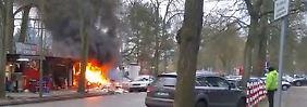 Die Feuerwehr hatte Schwierigkeiten, das Feuer unter Kontrolle zu bekommen.