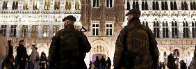 Belgien ist seit Wochen in Alarmbereitschaft, Soldaten patroullieren in der Brüsseler Innenstadt.