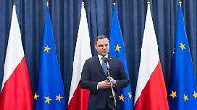 Polens Präsident Andrzej Duda setzte die Reform des polnischen Verfassungsgerichts in Kraft - trotz vieler Bedenken.