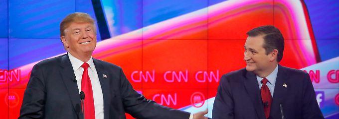 Gegen die republikanische Elite: Trump und Cruz bei der jüngsten Debatte der republikanischen Präsidentschaftsbewerber.