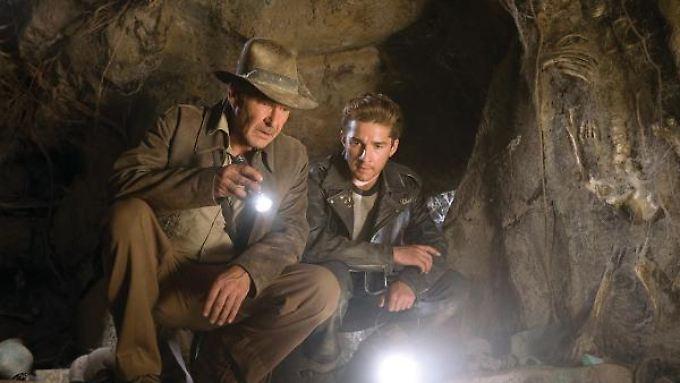 """Harrison Ford und Shia LaBeouf in """"Indiana Jones und das Königreich des Kristallschädels""""."""