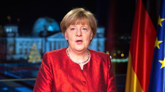 """""""Besonders herausfordernde Zeit"""": Merkel fordert Zusammenhalt in Neujahrsbotschaft"""