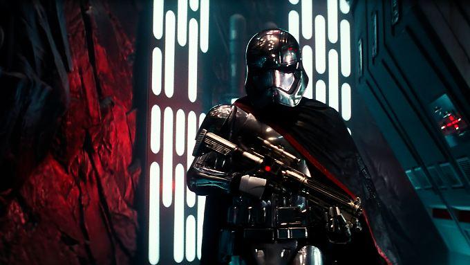 """Eine dunkle Macht erhebt sich in """"Star Wars: Das Erwachen der Macht""""."""