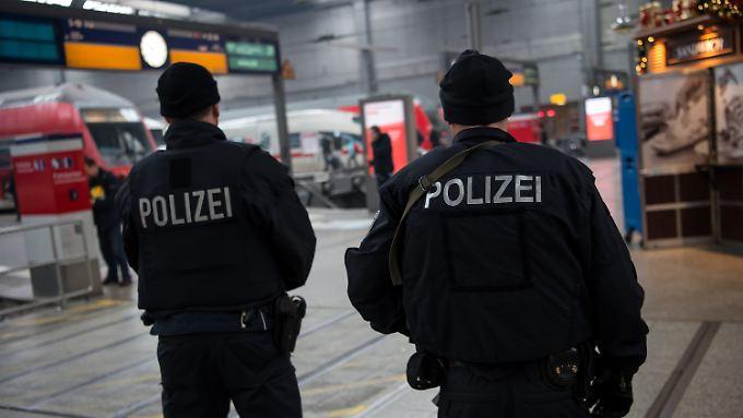 """Nach Terrorwarnung in München: Polizei fahndet nach Personen """"mit konkreten Namen"""""""