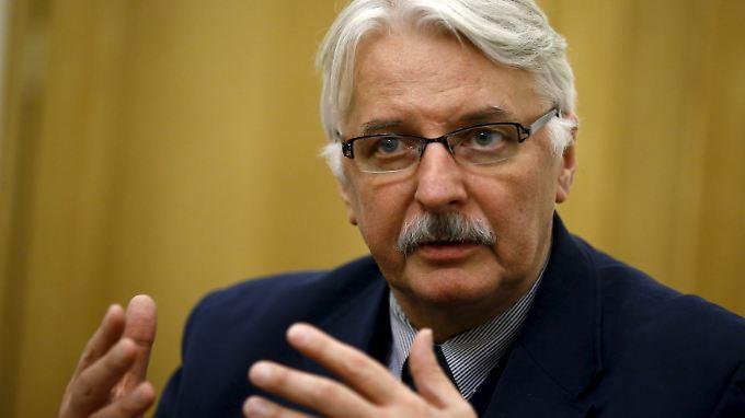 Der polnische Außenminister Witold Waszczykowski glaubt nicht, dass es dazu kommt, dass EU-Kontrollmechanismen angewendet werden.