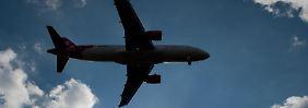 Nach dem Start des Flugzeugs darf ein Pilot wieder umkehren oder woanders außerplanmäßig zwischenlanden - wenn er die Sicherheit gefährdet sieht. Foto: Klaus-Dietmar Gabbert