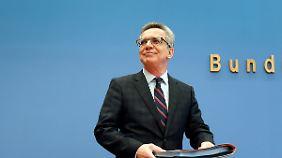 De Maizière stellte heute in Berlin den Migrationsreport vor - für das Jahr 2014.