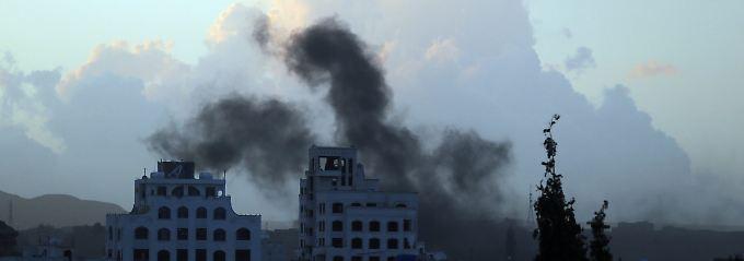 Die saudische Luftwaffe flog erneut Angriffe auf Sanaa.