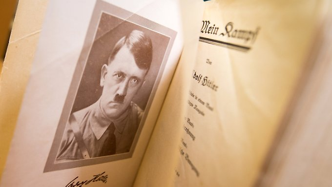 """Originalausgabe von """"Mein Kampf"""": Die neue Ausgabe ist mit ausführlichen Kommentaren versehen."""