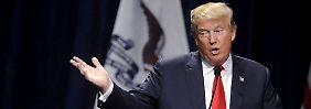 """""""Es ist ihr Hass"""", ist Trump überzeugt - und expediert die Muslimin kurzerhand aus seiner Veranstaltung."""