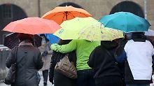 Public Viewing im Regen: Kein Sommerwetter in Sicht - Unwetter schon