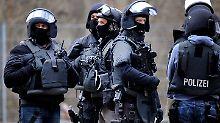 Zugriff in Baden-Württemberg: Polizei nimmt syrischen Dschihadisten fest