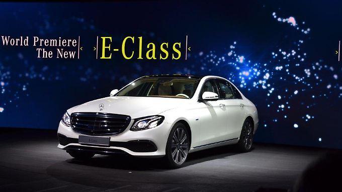 Die neue E-Klasse ist nach Ansicht der Verantwortlichen eines der intelligentesten Autos, das in Kürze auf den Straßen fahren wird.