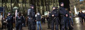 Video: Unbekannte attackieren Migranten in Köln