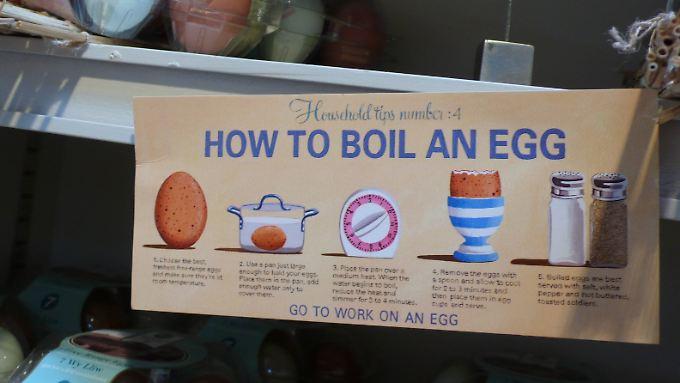 Diese englischsprachige Anleitung zum Eierkochen kommt ohne Anpiksen aus.