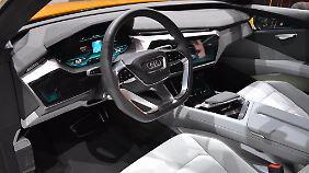 Auch das Cockpit im Q6 h-tron zeigt, wohin die Reise gehen soll.