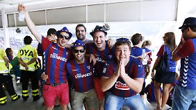Nicht so zahlreich wie andere Fans, aber mindestens genauso leidenschaftlich: Anhänger der SD Eibar.