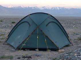 Zelten in der Wildnis von Tadschikistan.