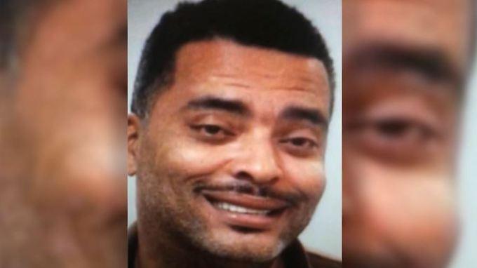 Festnahme dank Eitelkeit: Verdächtiger hilft Polizei mit schönerem Fahndungsfoto