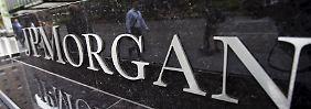 Bei JP Morgan ist schon kräftig aufgeräumt worden.