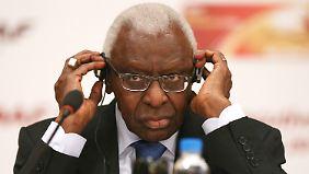 Alles dreht sich um seine Person: Ex-Präsident Diack soll für die mafiösen Strukturen verantwortlich sein.