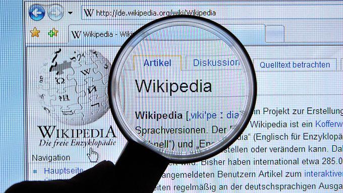 Wikipedia hat am 15. Januar Geburtstag, verzeichnet aber sinkende Benutzerzahlen.