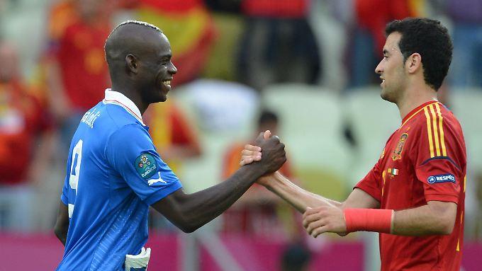 Faire Gesten wie ein Handschlag werden in der italienischen Serie B künftig mit einer Grünen Karte belohnt.