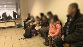Aufnahme nur mit Registrierung: Deutschland und Österreich schieben Flüchtlinge hin und her