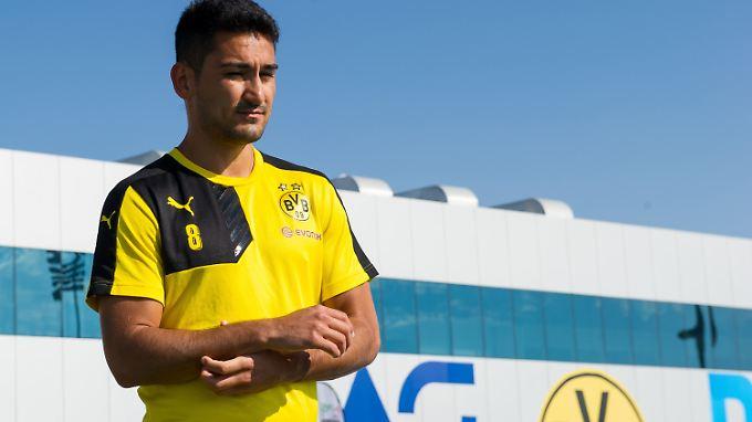 Ilkay Gündogan wollte den BVB eigentlich schon nach der letzten Saison verlassen: Jetzt läuft sein Vetrag bis 2017.