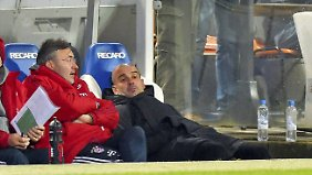 So richtig aus dem Häuschen geriet Bayern-Coach Josep Guardiola durch die Darbietung seiner Stars nicht.