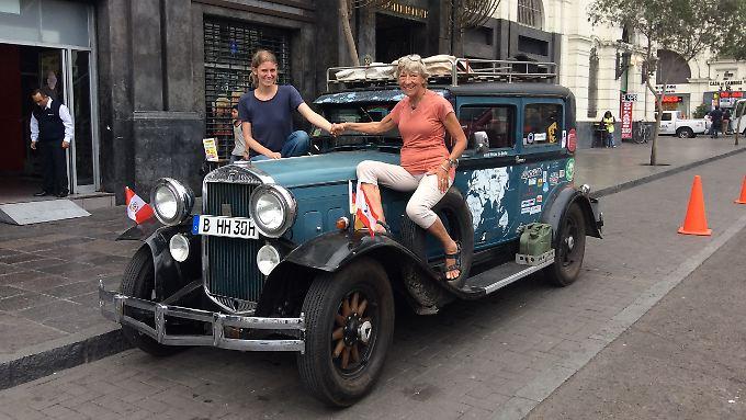 Heidi und Lili in Lima. Hier soll die Reise in zwei Monaten fortgesetzt werden.