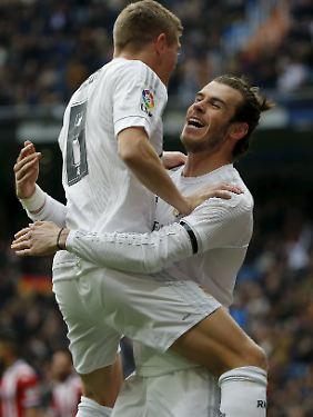 Vorgelegt: Toni Kroos feiert mit Gareth Bale.