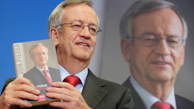 Vor fünf Jahren veröffentlichte der ehemalige Top-Manager seine Biografie: Dort beklagte er sich über seinen ehemaligen Arbeitgeber Siemens.