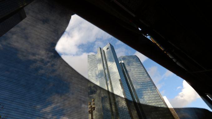 2015 endet mit Milliardenverlust: Deutsche Bank schreibt tiefrote Zahlen