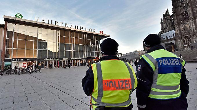 Weder am Hauptbahnhof noch anderswo in Köln sollen sich Feiernde bedroht fühlen.