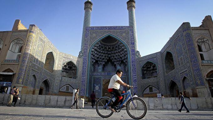 Die Kulturstätten des Iran werden zunehmend von ausländischen Touristen wiederentdeckt. Im Bild: Naghshe-Jahan-Platz in Isfahan.
