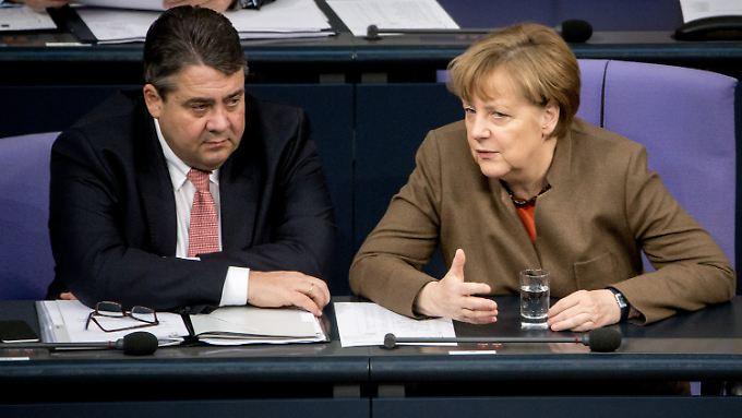 SPD-Chef Sigmar Gabriel und CDU-Chefin Angela Merkel sehen die Handlungsfähigkeit des Landes nicht in Gefahr.